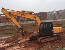 二手现代R215-7挖掘机