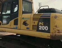 二手小松PC200-8n挖掘机